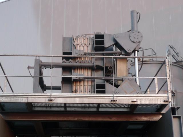 Filtre presse avec plateaux en acier et injection chambre par chambre