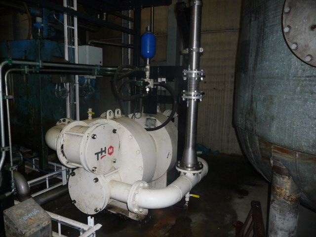 Pompe hydraulique à membranes pour alimentation du filtre presse