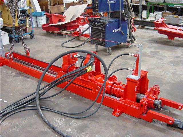 Machine de forage type HB7 en cours de construction