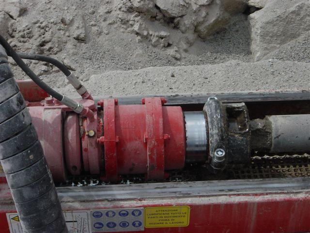 Système de déblocage automatique de tubes de forage