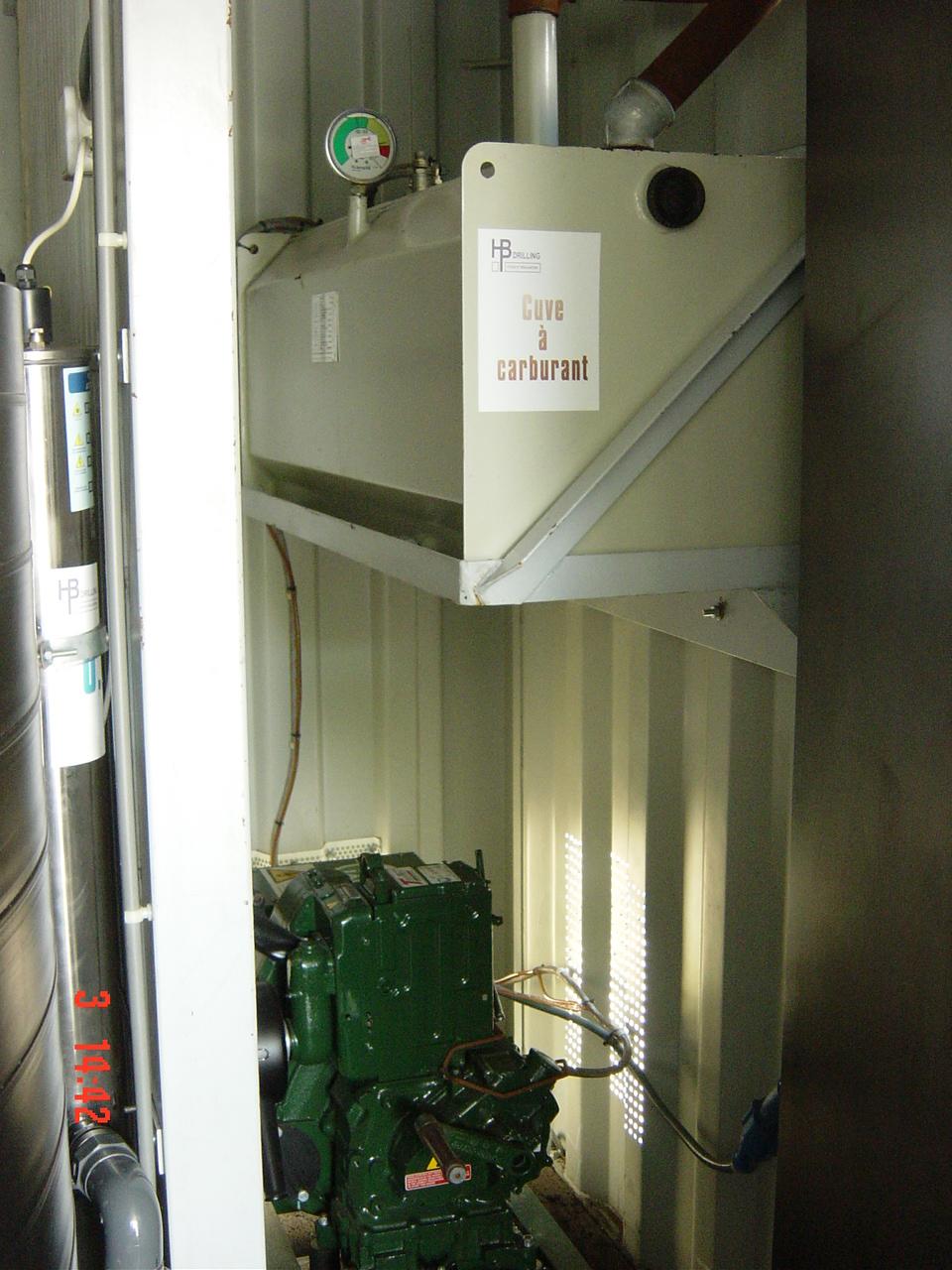 Réservoir à gasoil et groupe electrogène