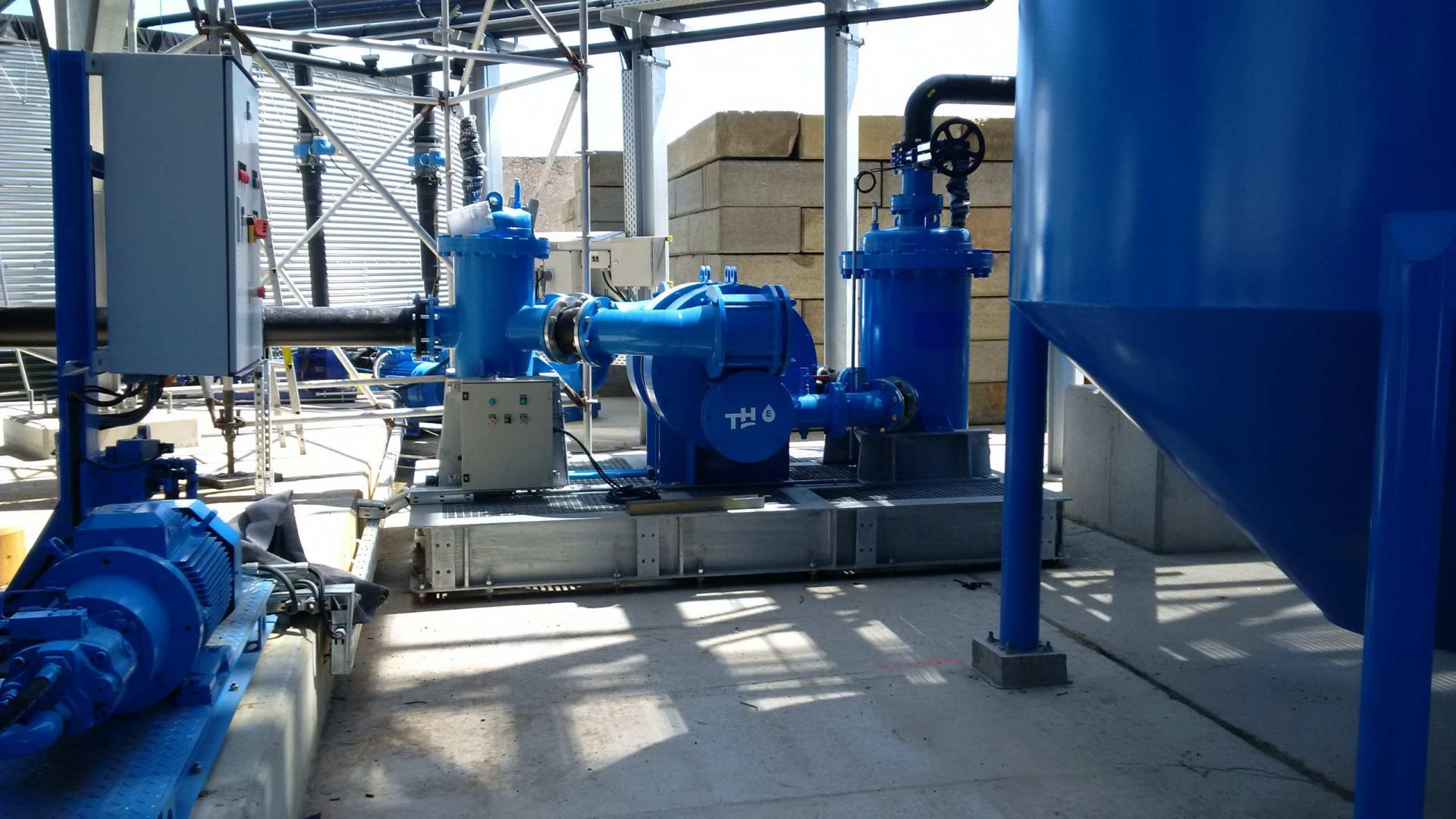 Hydraulische membraanpomp. Capaciteit 80 m³/h bij 16 bar