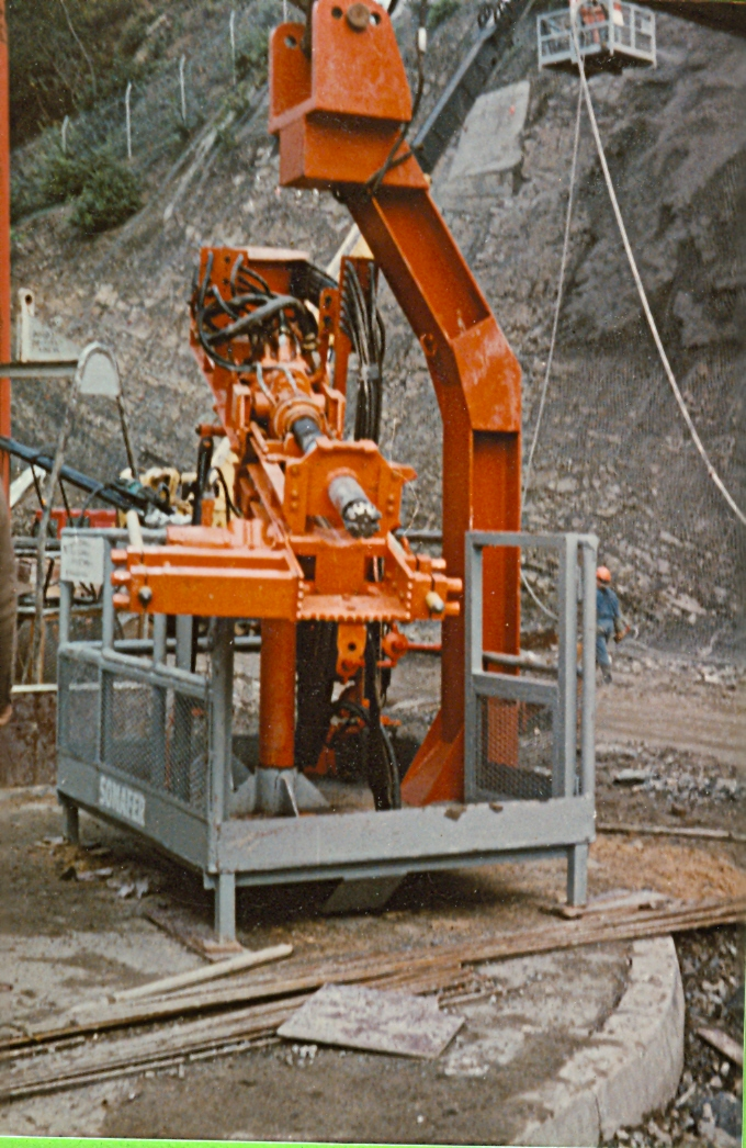 Anchor drilling machine on hard-to-reach walls